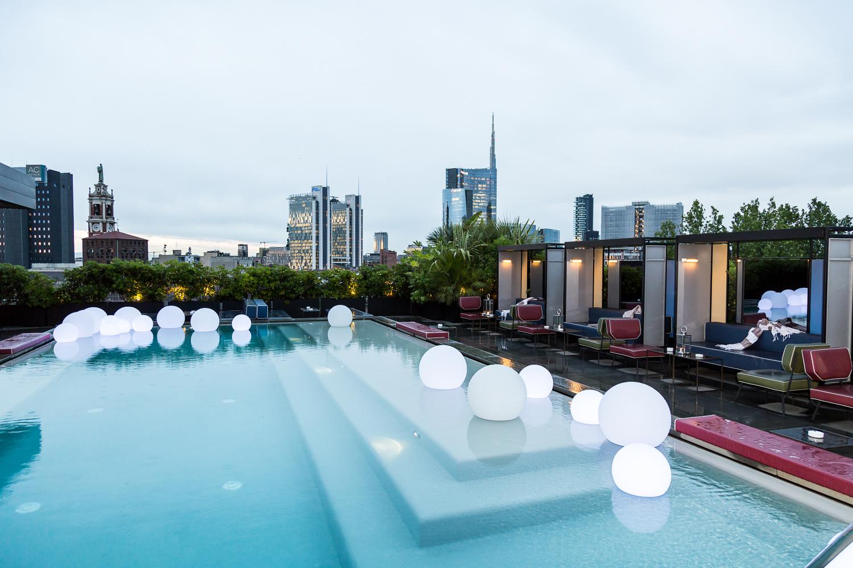 Pool party di dalani festa in piscina westwing magazine - Attico con piscina ...