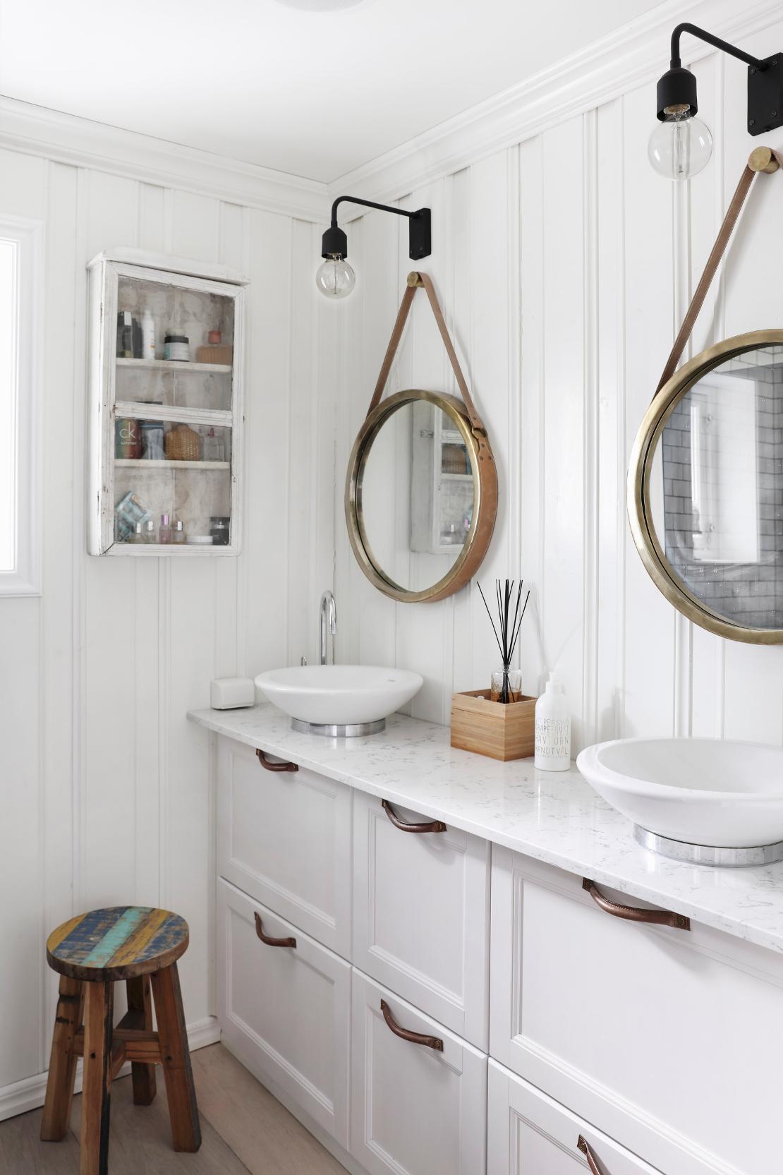 Idee per il bagno come cambiare look westwing magazine - Idee specchi per bagno ...