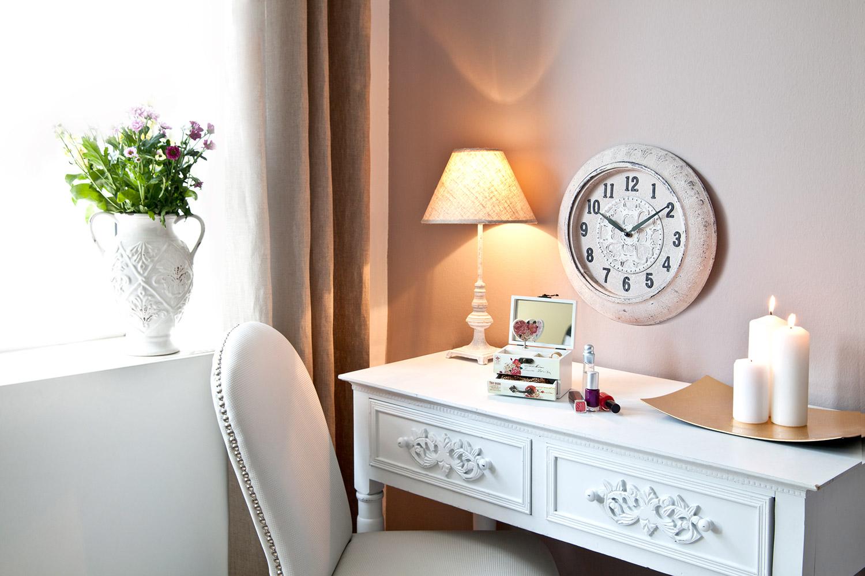 5 idee per un casa romantica shabby westwing magazine - Orologi per casa ...