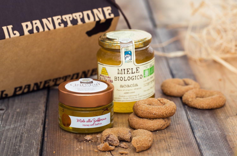 Miele Biologico d'Acacia - Originario del Parco Nazionale della Majella e prodotto nel mese di maggio. Miele allo Zafferano Garzisi dall'Aquila - Miele d'acacia arricchito con stimmi di zafferano puro