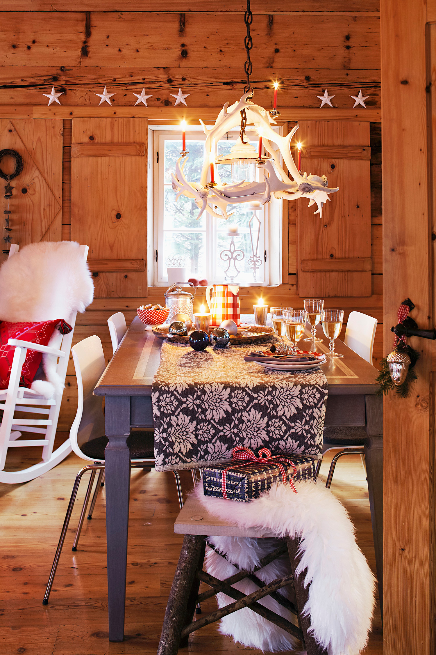 Chalet in montagna vacanze di natale westwing magazine - Natale country decorazioni ...