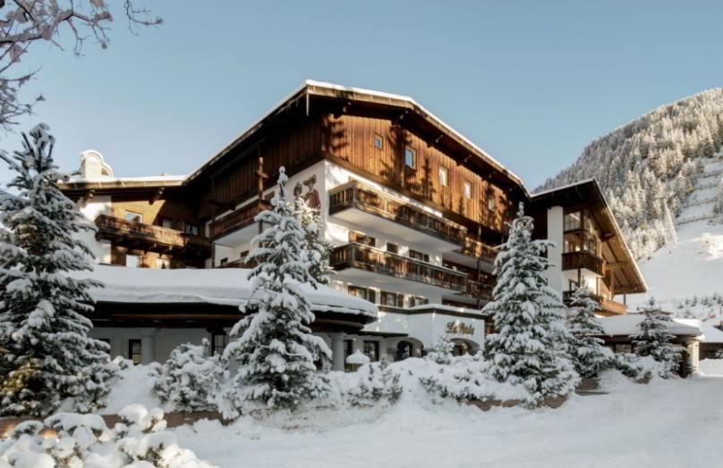 Un hotel nel cuore delle Dolomiti - La Perla Corvara