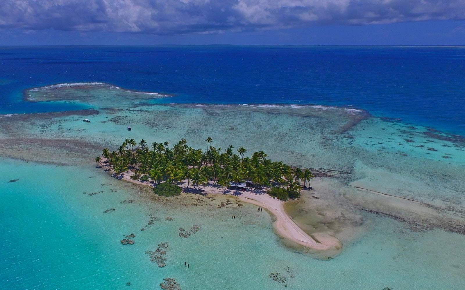 Un piccolo atollo polinesiano.