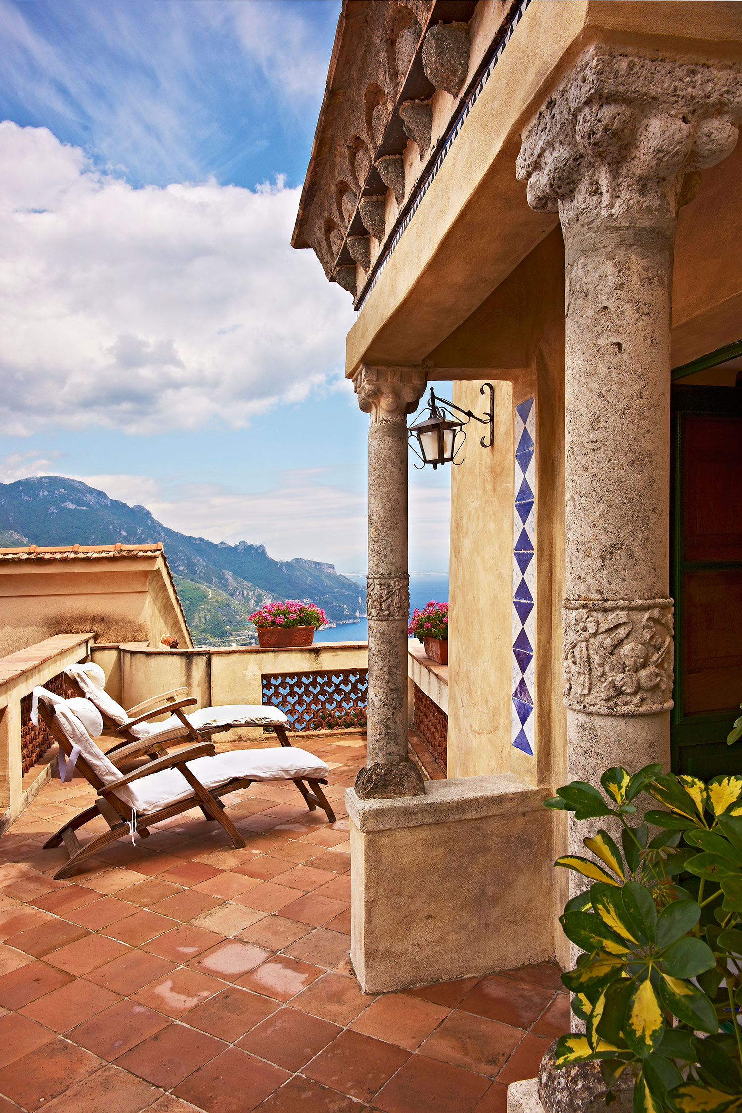 Stile mediterraneo mosaici e maioliche westwing magazine for Piani di casa artigiana con seminterrato di sciopero