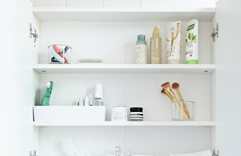 Ripiani ordinati e puliti - Consigli per il vostro bagno