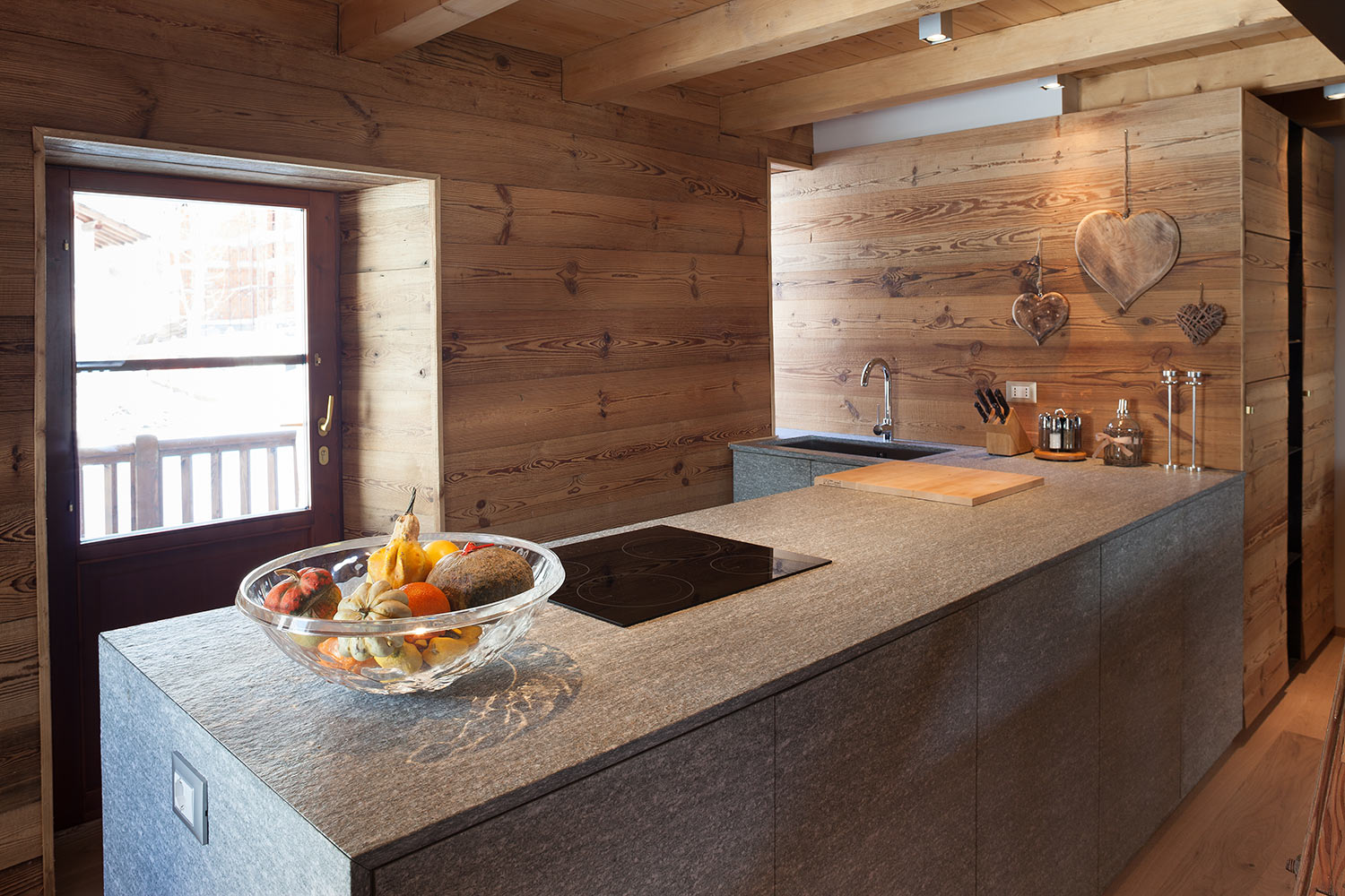 chalet di design aosta stile rustico montagna westwing