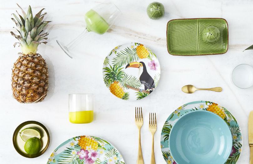 Una tavola in stile tropical