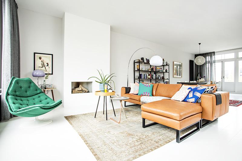 Binnenkijken bij creative director odette simons for Kleine vierkante woonkamer inrichten