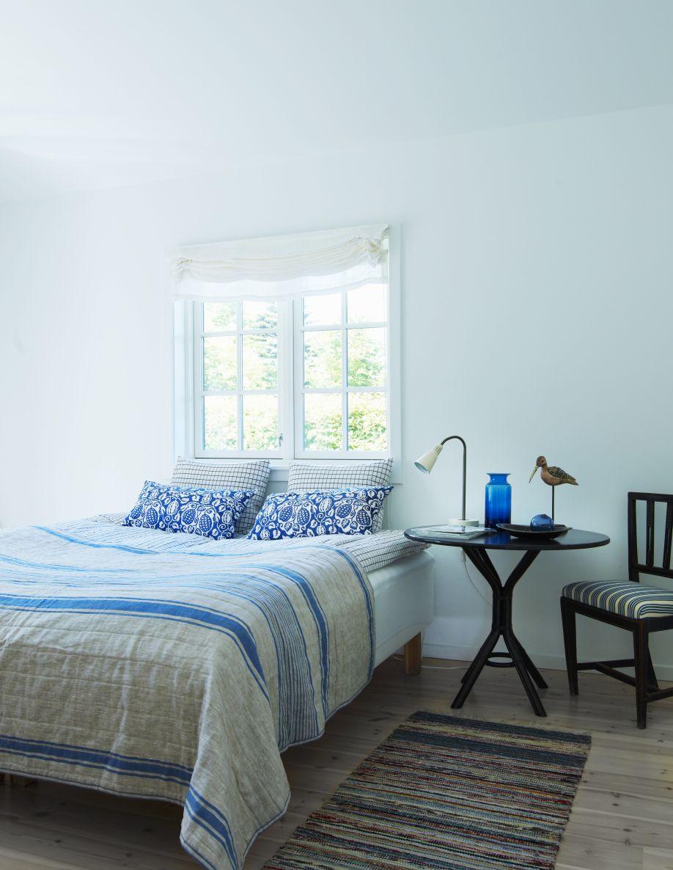meubels landelijke stijl blauw gestreept bed