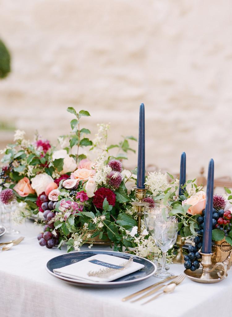 SylvieGil-0389chateau-ClairePettibone-France-Photography-Provence-romantique-Wedding-750x1024