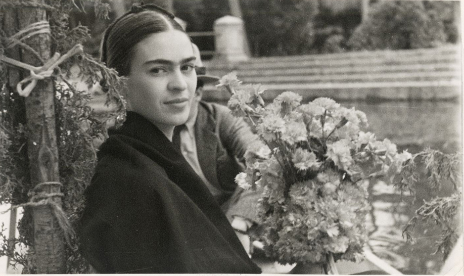 westwing-frida-kahlo-portraitbild