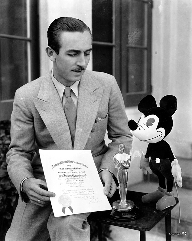 7-Walt-Disney_Mickey-Mouse_2