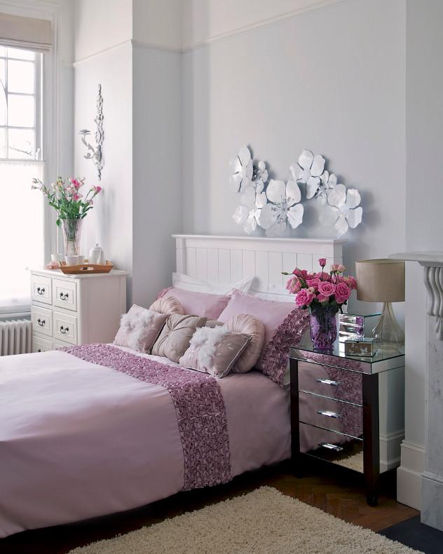Romantyczne dodatki w sypialni