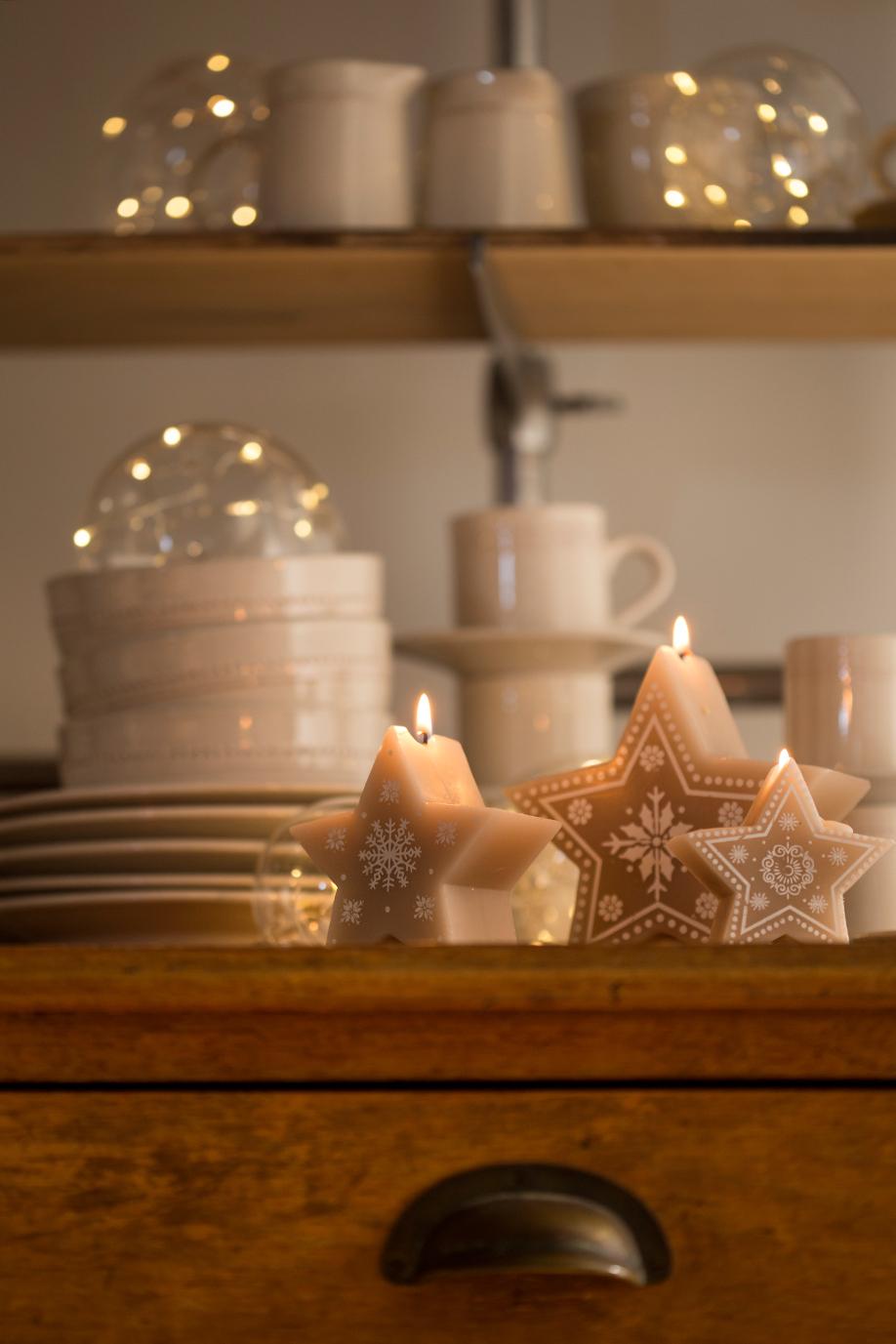 świeczki w kształcie gwiazdek