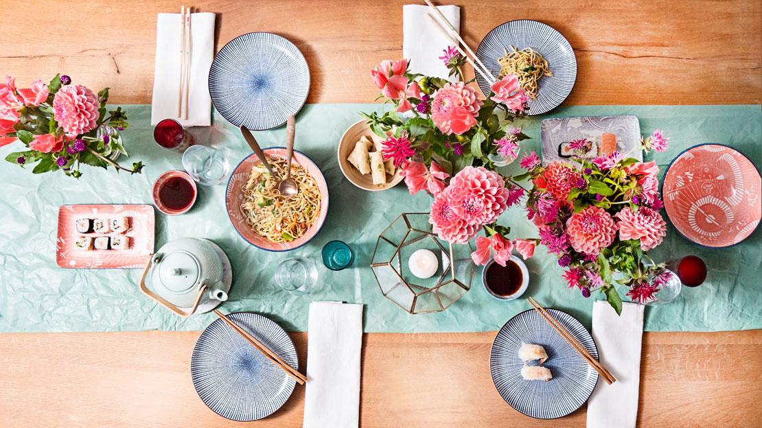 Letnie nakrycie stolu na lunch