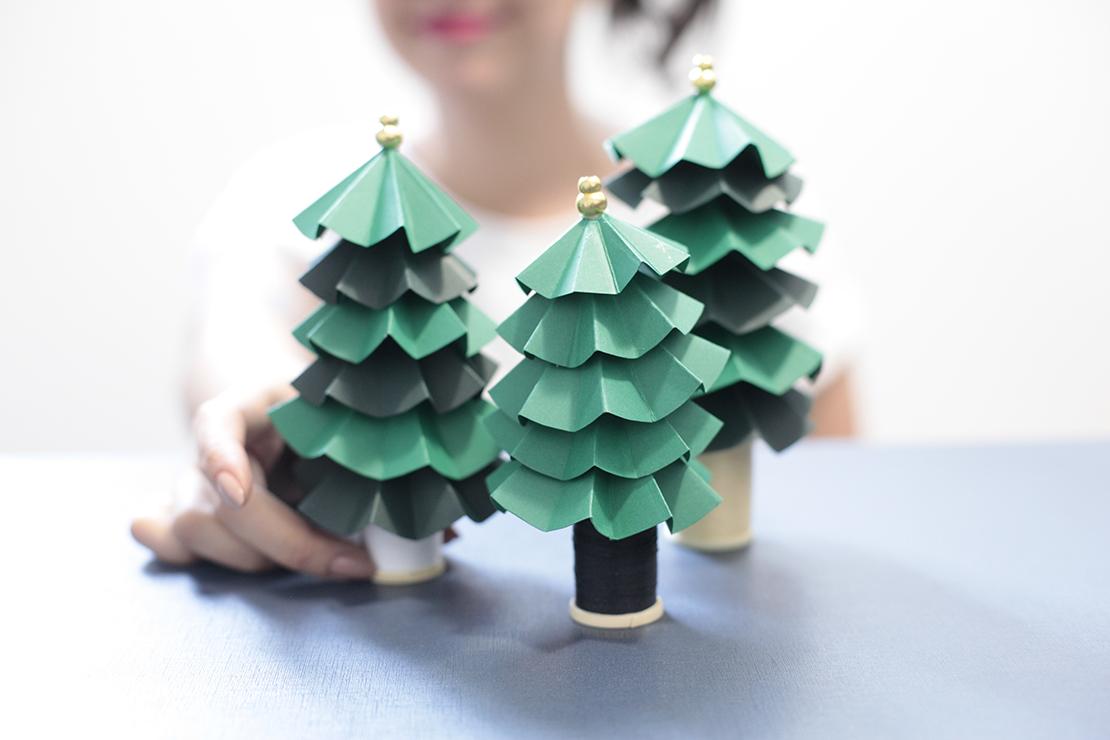 kolorowe drzewka z papieru