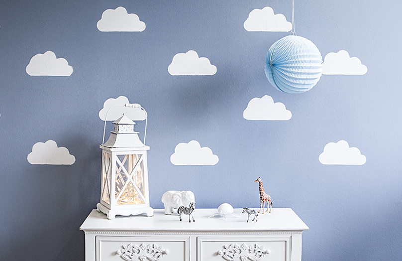 DIY: Tapeta w chmurki