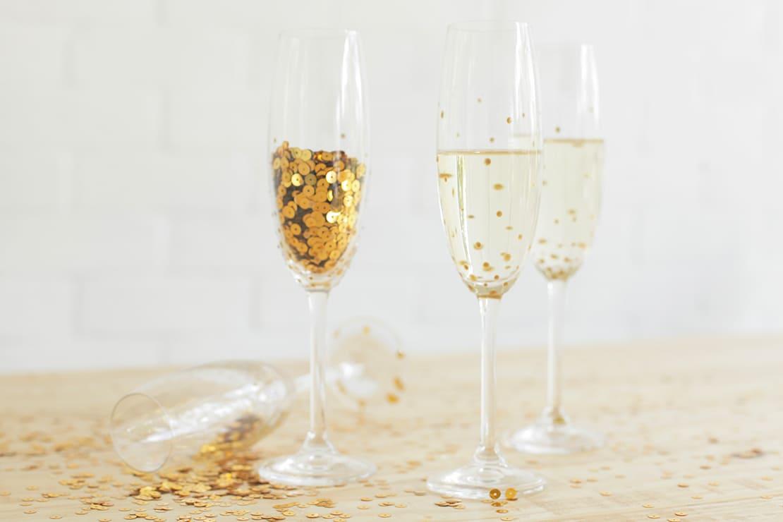 jak udekorować kieliszki do szampana